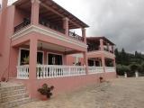 Villa in Benitses