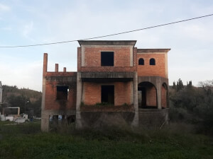 Unfinished house in Pikoulatika